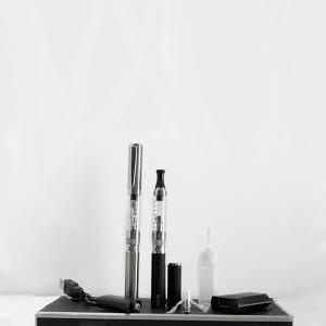EGO-T3 Pack de Deux Cigarettes Electroniques Gris+Noir