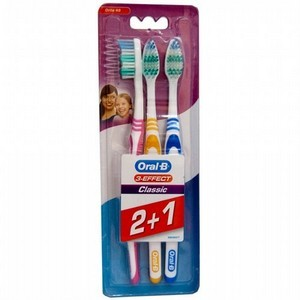 Oral-B 3 Brosse à dents Classic 40 Medium (2+1)